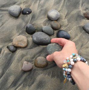 Siselly käevõrud - hematiit, pärl, dumortieriit, jaspis, türkiis, ahhaat, kuukivi